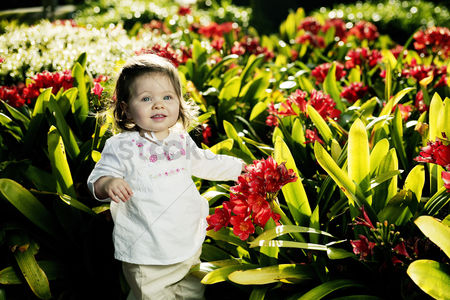 Park Outdoor : Girl posing with beautiful plants
