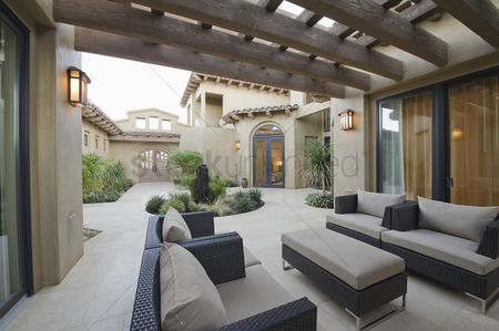 Interior : Outdoor room of palm springs home