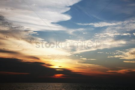 Romantic : Tranquil sunrise