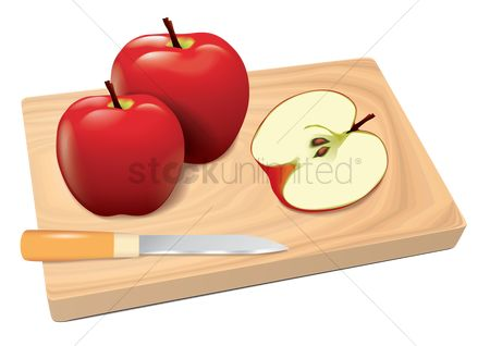 Slices : Apples on cutting board