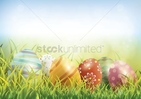 Grass background : Easter eggs on green grass