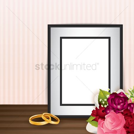 Weddings : Photo frame with flower bouquet