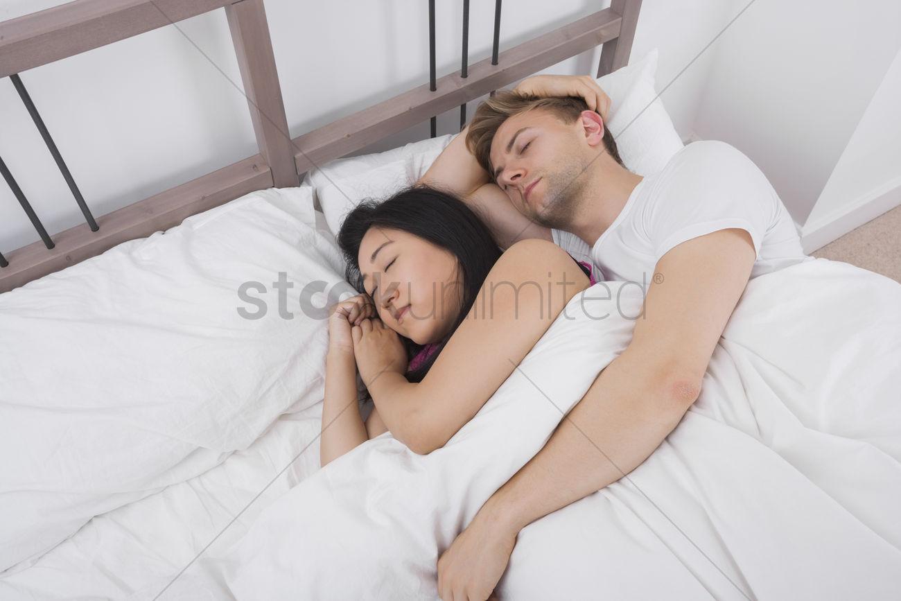 Фотографии пока она спит, Спящие жены без трусов (47 фото) 19 фотография