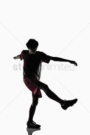 Match : A soccer player shoots