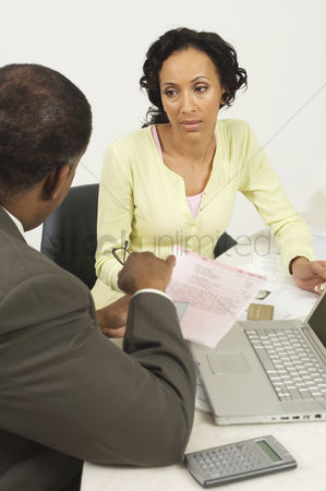 Worry : Accountant talking with client