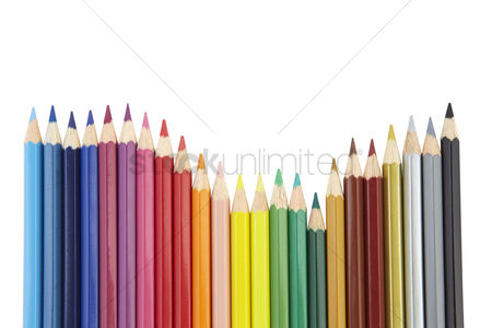 Learning : Arranged color pencils