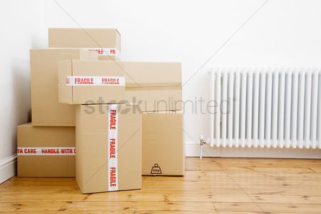 Indoor : Boxes piling at a corner