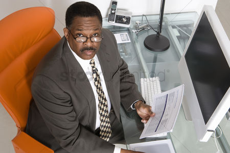 Body : Businessman at his desk