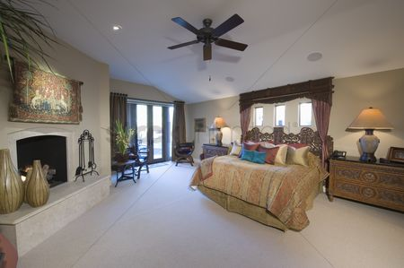 Interior : Cailing fan is spacious palm springs bedroom