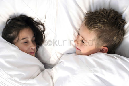 Comfy : Children in bed