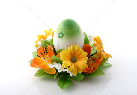 Spring : Easter egg on white background