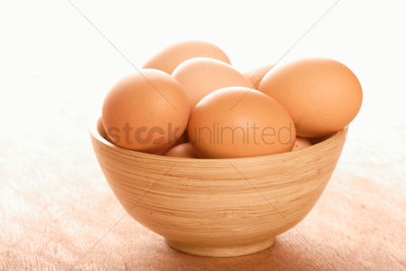 Eggshell : Eggs in a bowl