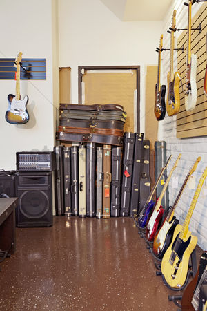 Collection : Electric guitars with guitar cases and amplifier in store