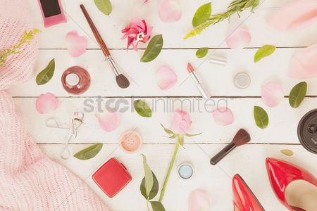 Fashion : Flatlay with makeup and accessories