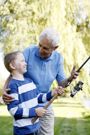 Bonding : Grandfather and grandson fishing together