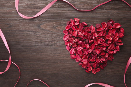 Creativity : Heart shaped dried flowers concept