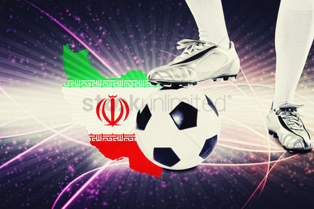 Iran : Iran soccer player ready for kick off