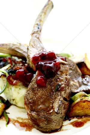 Ready to eat : Lamb chop with cranberries