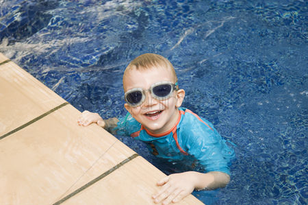 Young boy : Little boy in a swimming pool