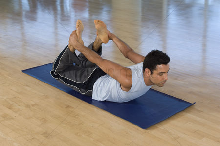 Fitness : Man practicing yoga