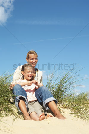 Day off : Mother and daughter on dunes