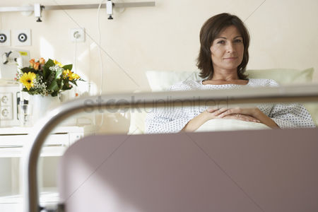 Decor : Patient in hospital bed