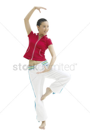 Dance : Portrait of young woman