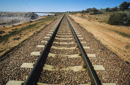 Transportation : Railroad track in non-urban landscape