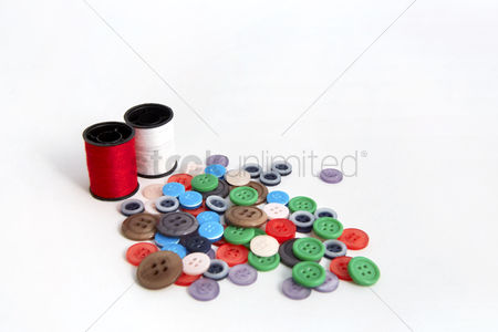 Selection : Sewing threads with buttons design