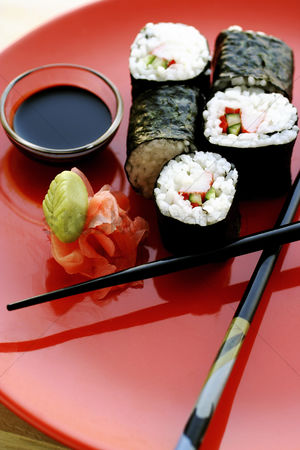 Ready to eat : Sushi with soy sauce