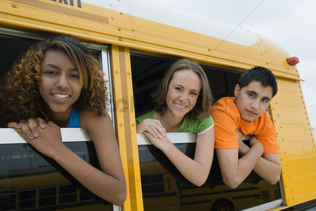 High school : Teenagers on school bus