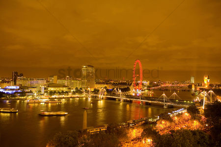 England : Thames view westwards