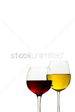 Refreshment : Two glasses of alcoholic drink
