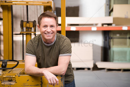Forklift : Warehouse worker