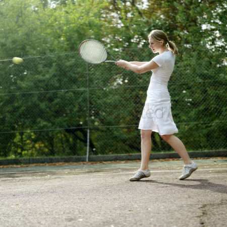 Match : Woman playing tennis