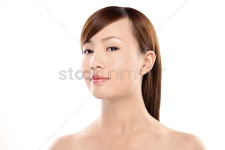 Attraction : Woman posing for the camera