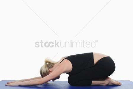 Contemplation : Woman practising yoga