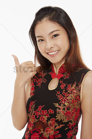 Traditional clothing : Woman showing hand gesture