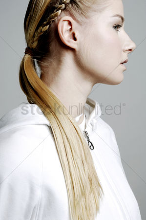 Attraction : Woman with braided hair