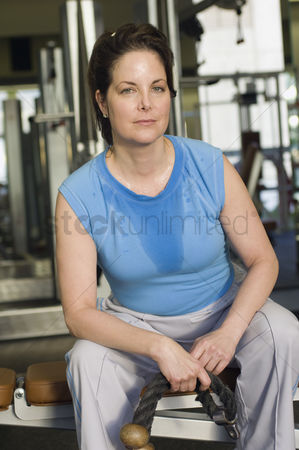 Workout : Woman working out in gym