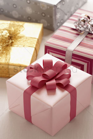 Ribbon : Wrapped christmas presents